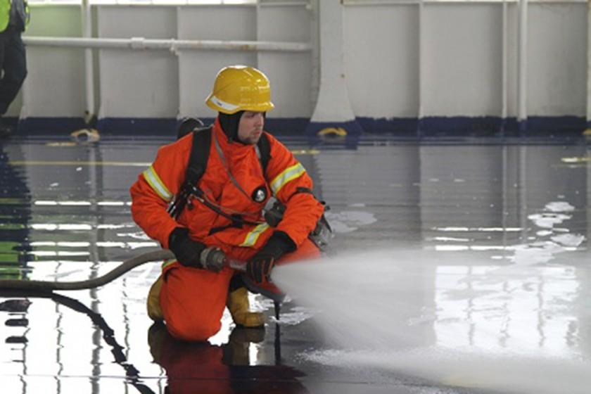 Brandbekämpning-på-bildäck1