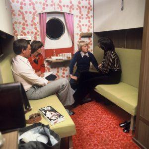 70s_Cabin