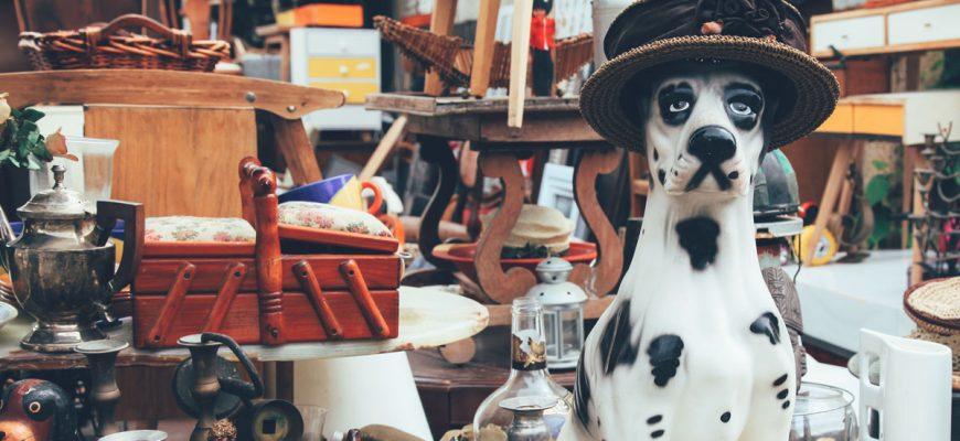 Porslinshund och second hand-varor.