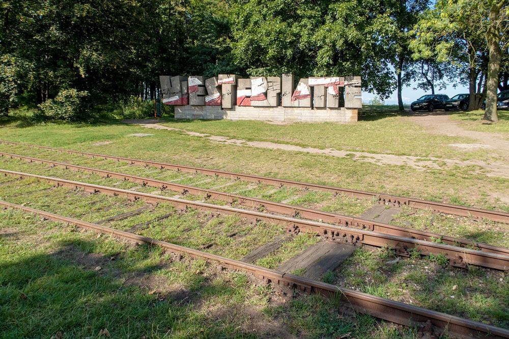 Westerplatte; minnessten över stupade polska soldater under det tyska överfallet på Polen i inledningssskedet av andra världskriget.